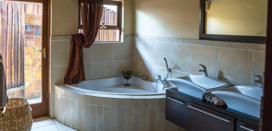 Prm025 Khutso Lodge Mabalingweproperties